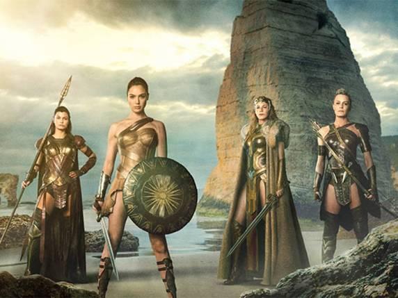 As amazonas de Themyscira em imagem promocional do filme